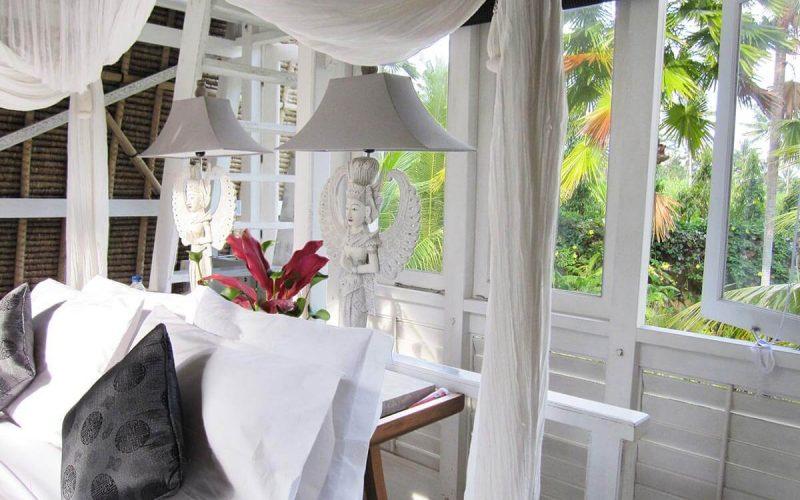 jendela di bali white elephant bedroom 09
