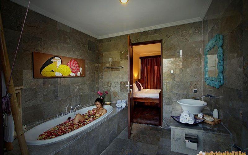 the bale tokek bathroom 04